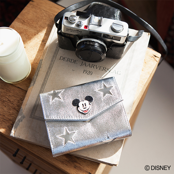 アコモデ ミッキーマウス/スターレザーミニウォレット